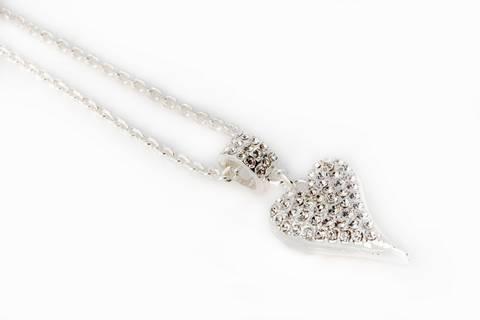 Bilde av 10587 Langt smykke med hjerte med stener